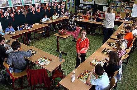 Vánoční besídka ve třídě paní uč. D. Vopelkové ...