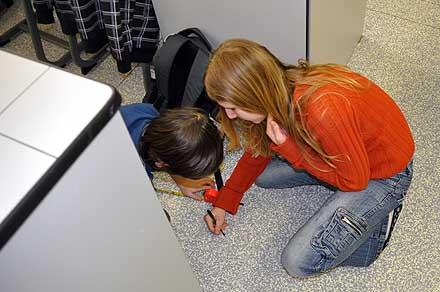 Měříme délku učebny ...