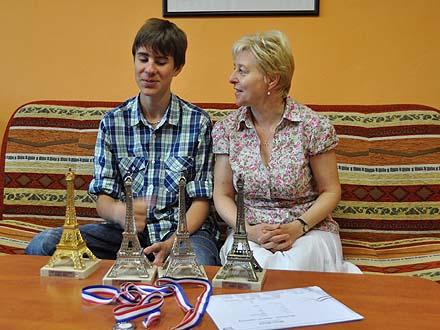 Společná fotka Milana s paní učitelkou Taťánou Kurečkovou již z Města Albrechtic ...