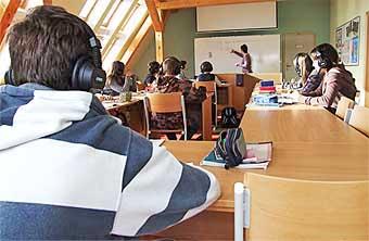 V jazykové učebně