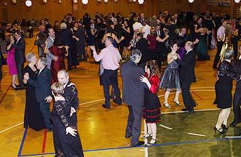 IX. společenský ples...