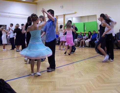 Tanec stejný