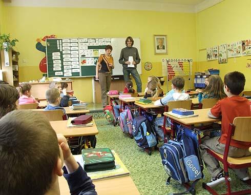 Jmenuji se Adam. I mě  učila paní učitelka v 1. třídě ...