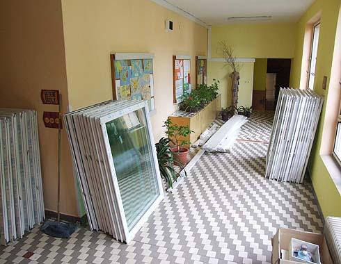 Zásoby oken je dostatečná ...