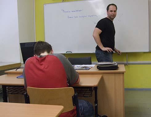 Pan učitel se jde podívat ...
