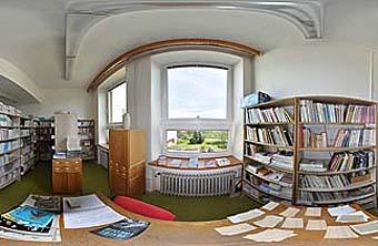 Žákovská knihovna - výřez panoramatické fotografie...